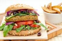 Der mediterrane Don Corleone Italo-Burger kombiniert typisch italienische und sizilianische Köstlichkeiten.