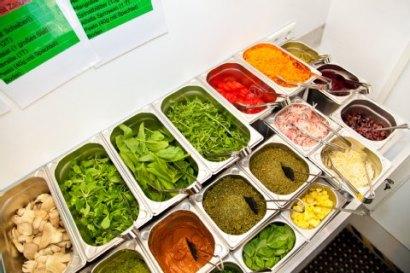 Alle Zutaten sind frisch, 100 Prozent Bio. Verschiedene selbstgemachte Pestos bilden die Grundlagen der Burger.